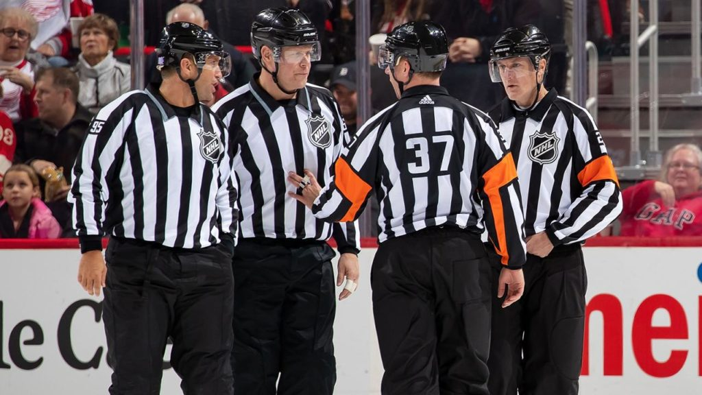 how much do nhl refs get paid